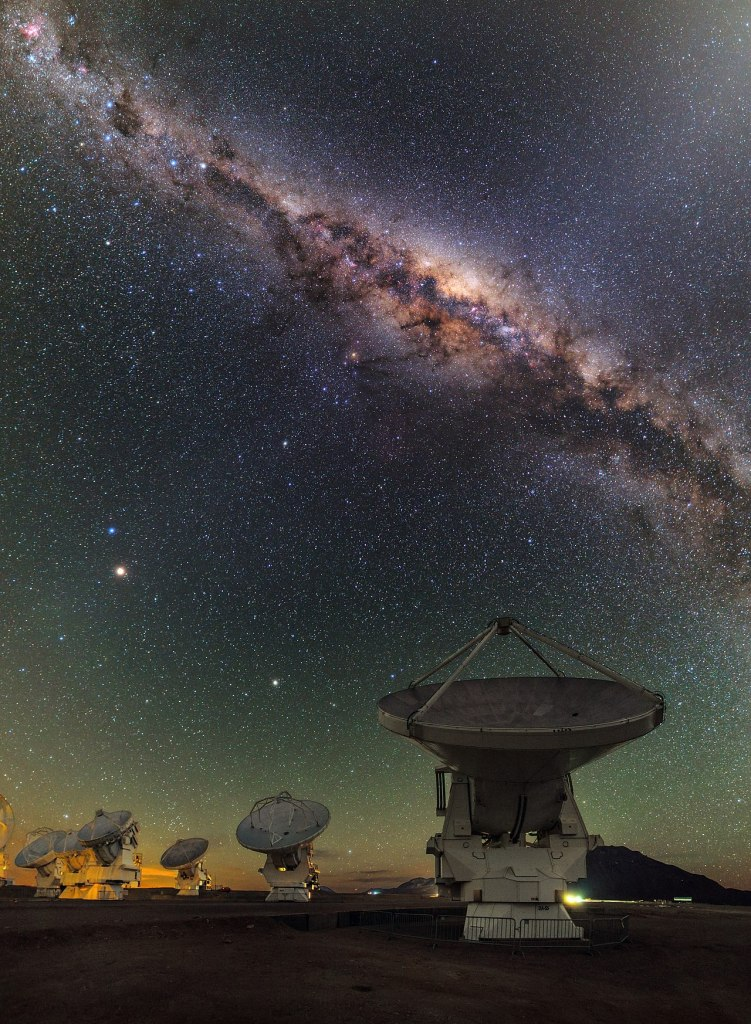 1280px-ALMA_and_the_centre_of_the_Milky_Way